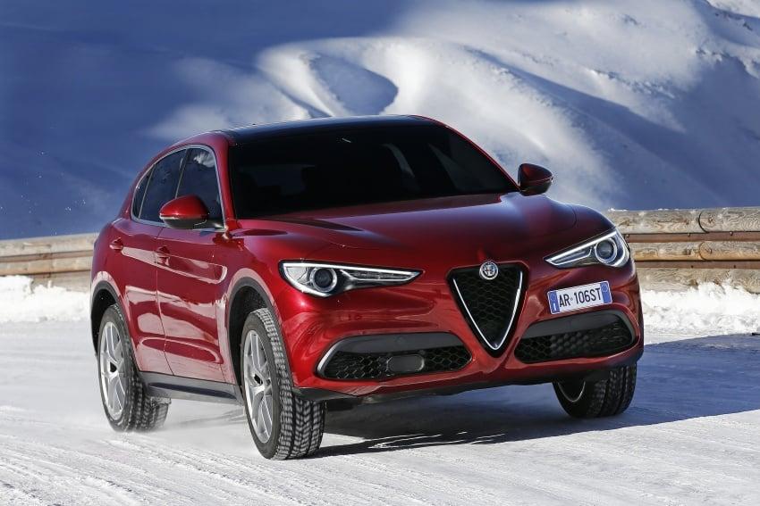 Alfa Romeo Stelvio gains new base engines for EMEA: 200 hp/330 Nm 2.0 petrol and 180 hp/490 Nm 2.2 diesel Image #639592