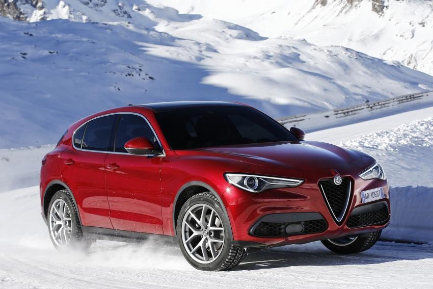 Alfa Romeo Stelvio gains new base engines for EMEA: 200 hp/330 Nm 2.0 petrol and 180 hp/490 Nm 2.2 diesel Image #639594