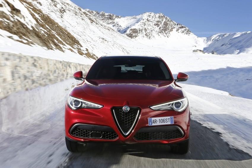 Alfa Romeo Stelvio gains new base engines for EMEA: 200 hp/330 Nm 2.0 petrol and 180 hp/490 Nm 2.2 diesel Image #639595