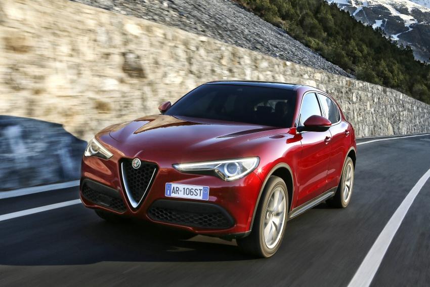 Alfa Romeo Stelvio gains new base engines for EMEA: 200 hp/330 Nm 2.0 petrol and 180 hp/490 Nm 2.2 diesel Image #639597