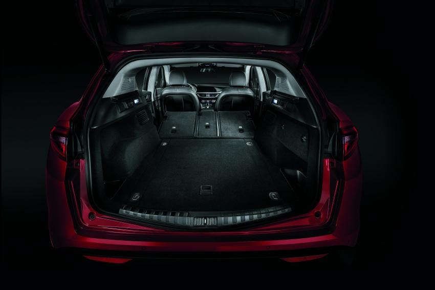 Alfa Romeo Stelvio gains new base engines for EMEA: 200 hp/330 Nm 2.0 petrol and 180 hp/490 Nm 2.2 diesel Image #639754