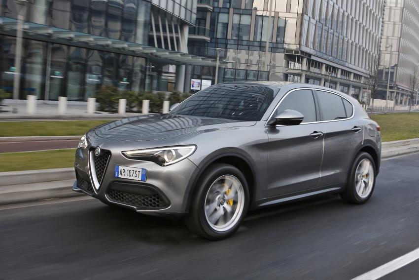 Alfa Romeo Stelvio gains new base engines for EMEA: 200 hp/330 Nm 2.0 petrol and 180 hp/490 Nm 2.2 diesel Image #639599