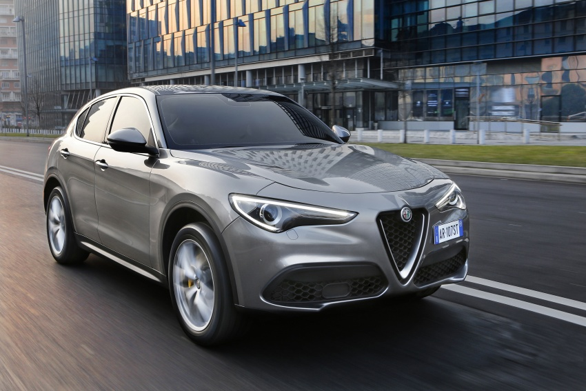 Alfa Romeo Stelvio gains new base engines for EMEA: 200 hp/330 Nm 2.0 petrol and 180 hp/490 Nm 2.2 diesel Image #639600