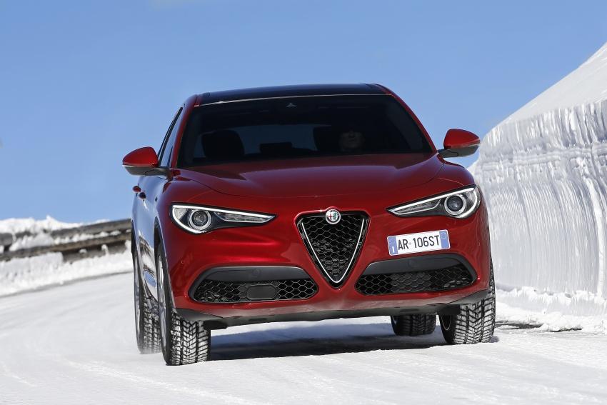 Alfa Romeo Stelvio gains new base engines for EMEA: 200 hp/330 Nm 2.0 petrol and 180 hp/490 Nm 2.2 diesel Image #639608