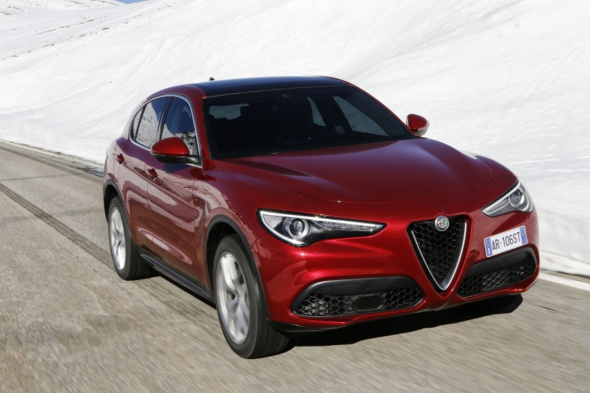Alfa Romeo Stelvio gains new base engines for EMEA: 200 hp/330 Nm 2.0 petrol and 180 hp/490 Nm 2.2 diesel Image #639612