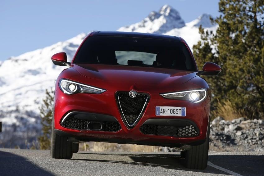 Alfa Romeo Stelvio gains new base engines for EMEA: 200 hp/330 Nm 2.0 petrol and 180 hp/490 Nm 2.2 diesel Image #639617