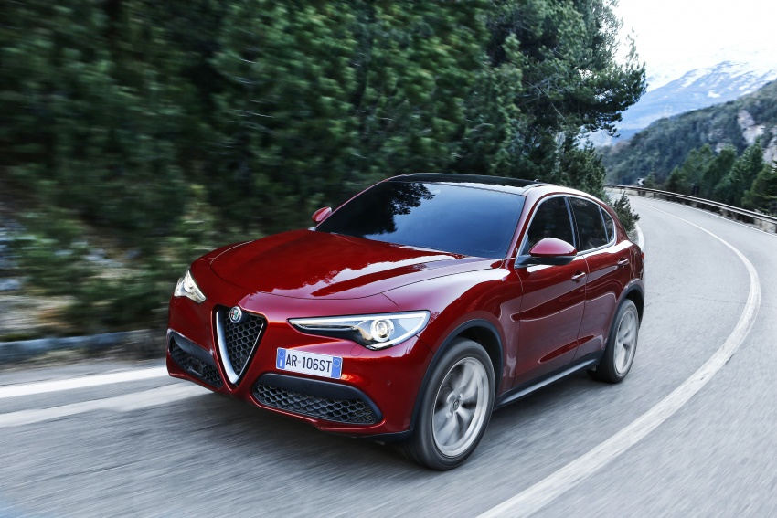 Alfa Romeo Stelvio gains new base engines for EMEA: 200 hp/330 Nm 2.0 petrol and 180 hp/490 Nm 2.2 diesel Image #639625