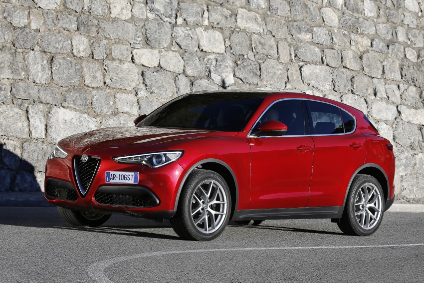 Alfa Romeo Stelvio gains new base engines for EMEA: 200 hp/330 Nm 2.0 petrol and 180 hp/490 Nm 2.2 diesel Image #639626