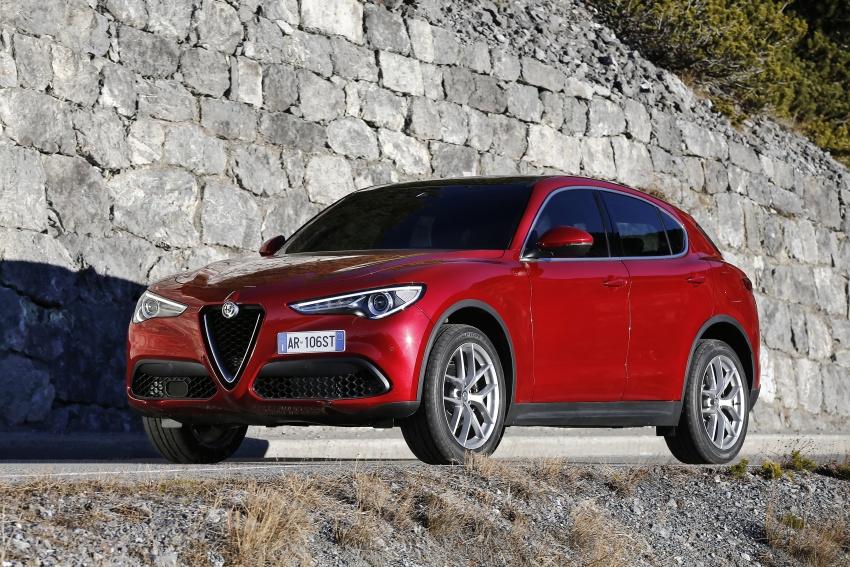 Alfa Romeo Stelvio gains new base engines for EMEA: 200 hp/330 Nm 2.0 petrol and 180 hp/490 Nm 2.2 diesel Image #639627