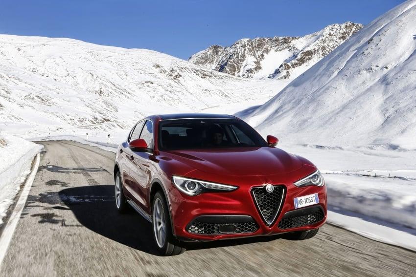 Alfa Romeo Stelvio gains new base engines for EMEA: 200 hp/330 Nm 2.0 petrol and 180 hp/490 Nm 2.2 diesel Image #639630