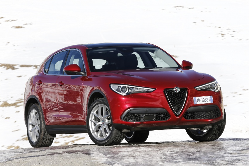 Alfa Romeo Stelvio gains new base engines for EMEA: 200 hp/330 Nm 2.0 petrol and 180 hp/490 Nm 2.2 diesel Image #639655