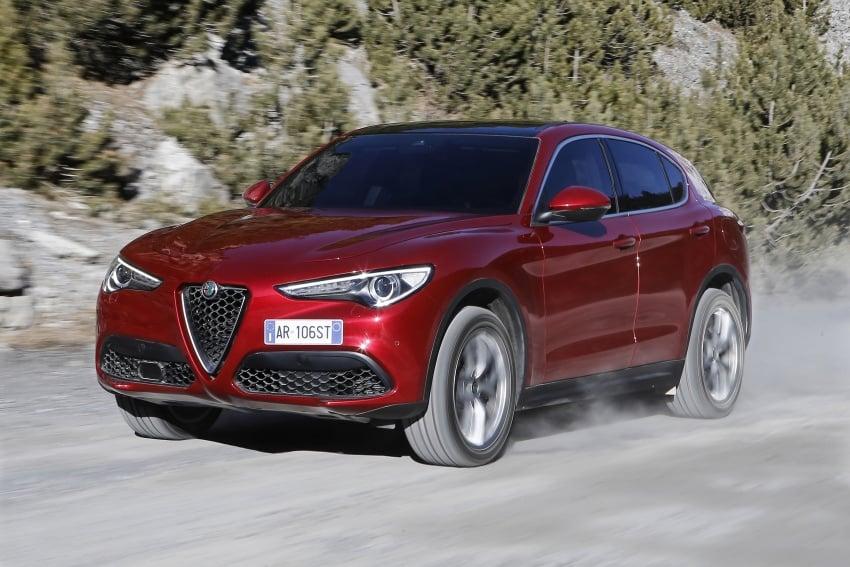 Alfa Romeo Stelvio gains new base engines for EMEA: 200 hp/330 Nm 2.0 petrol and 180 hp/490 Nm 2.2 diesel Image #639658