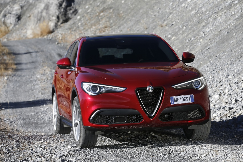 Alfa Romeo Stelvio gains new base engines for EMEA: 200 hp/330 Nm 2.0 petrol and 180 hp/490 Nm 2.2 diesel Image #639659