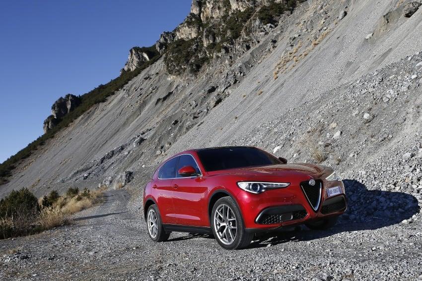 Alfa Romeo Stelvio gains new base engines for EMEA: 200 hp/330 Nm 2.0 petrol and 180 hp/490 Nm 2.2 diesel Image #639665