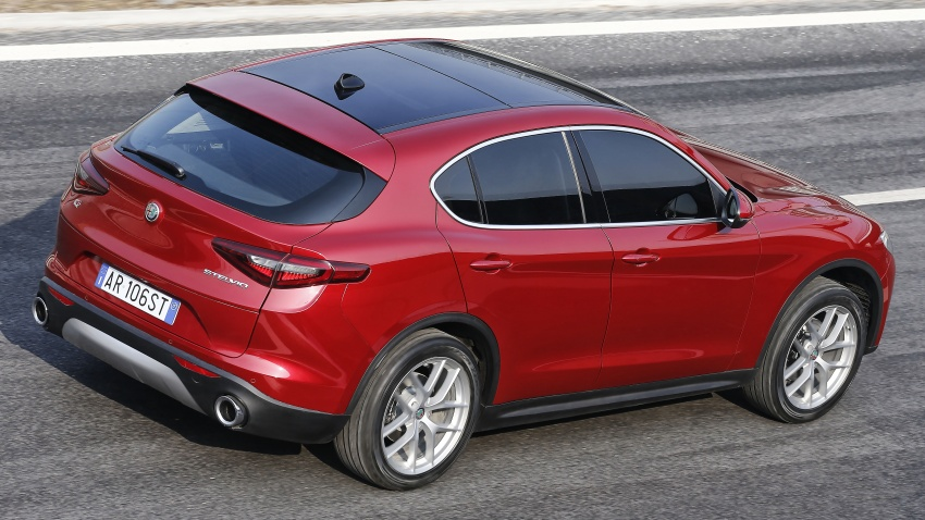 Alfa Romeo Stelvio gains new base engines for EMEA: 200 hp/330 Nm 2.0 petrol and 180 hp/490 Nm 2.2 diesel Image #639675