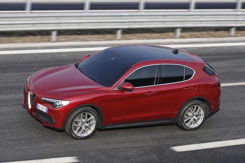 Alfa Romeo Stelvio gains new base engines for EMEA: 200 hp/330 Nm 2.0 petrol and 180 hp/490 Nm 2.2 diesel Image #639678