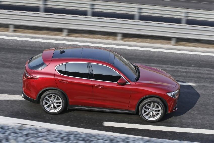 Alfa Romeo Stelvio gains new base engines for EMEA: 200 hp/330 Nm 2.0 petrol and 180 hp/490 Nm 2.2 diesel Image #639679