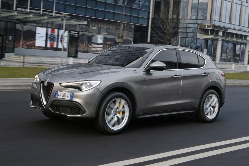 Alfa Romeo Stelvio gains new base engines for EMEA: 200 hp/330 Nm 2.0 petrol and 180 hp/490 Nm 2.2 diesel Image #639687