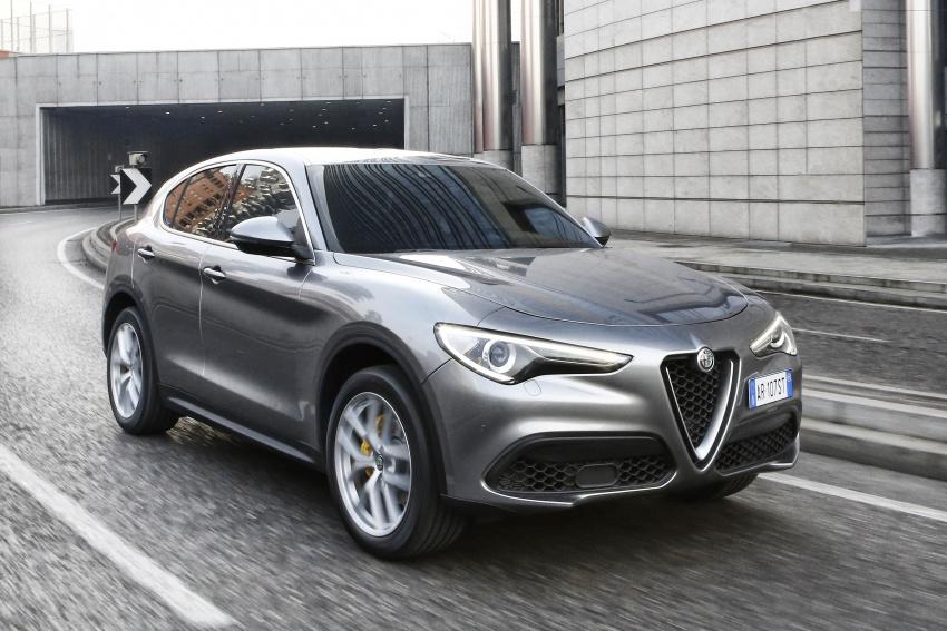 Alfa Romeo Stelvio gains new base engines for EMEA: 200 hp/330 Nm 2.0 petrol and 180 hp/490 Nm 2.2 diesel Image #639703