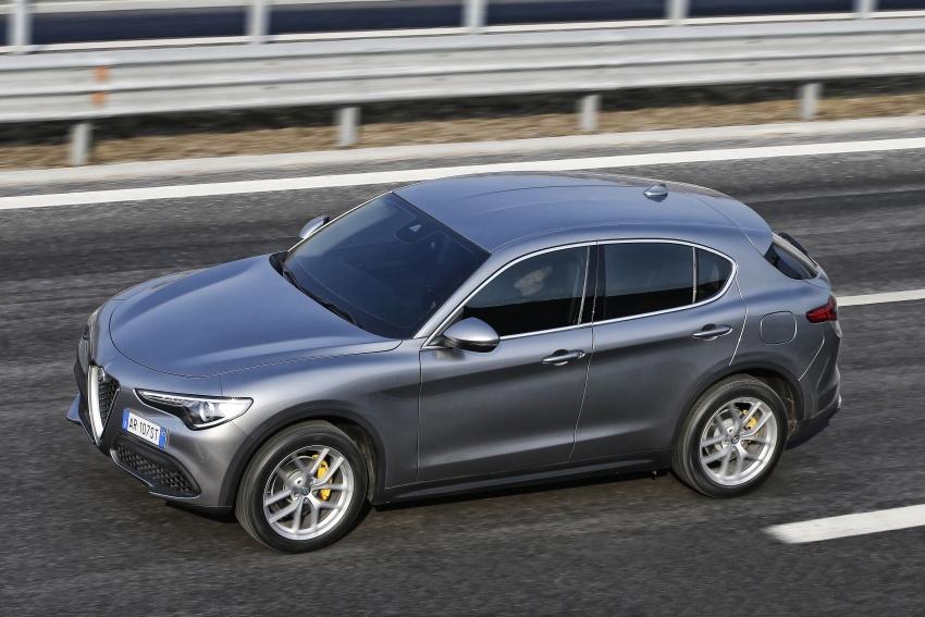 Alfa Romeo Stelvio gains new base engines for EMEA: 200 hp/330 Nm 2.0 petrol and 180 hp/490 Nm 2.2 diesel Image #639706