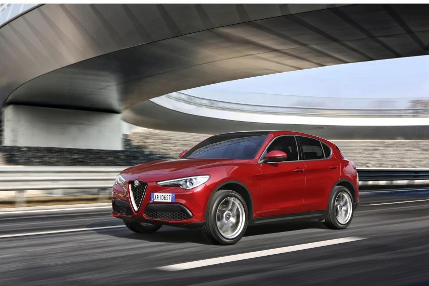 Alfa Romeo Stelvio gains new base engines for EMEA: 200 hp/330 Nm 2.0 petrol and 180 hp/490 Nm 2.2 diesel Image #639707