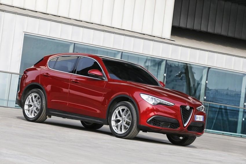 Alfa Romeo Stelvio gains new base engines for EMEA: 200 hp/330 Nm 2.0 petrol and 180 hp/490 Nm 2.2 diesel Image #639717