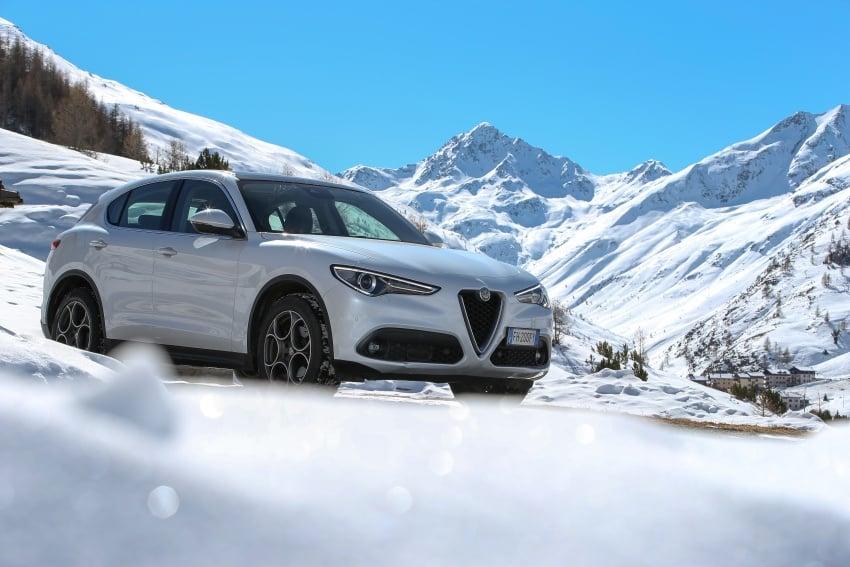 Alfa Romeo Stelvio gains new base engines for EMEA: 200 hp/330 Nm 2.0 petrol and 180 hp/490 Nm 2.2 diesel Image #639840