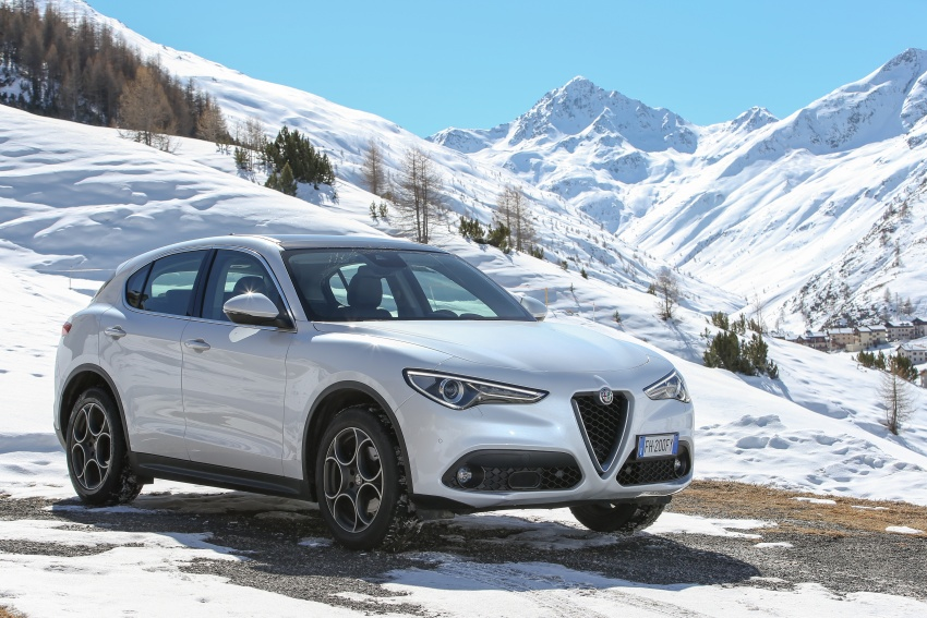 Alfa Romeo Stelvio gains new base engines for EMEA: 200 hp/330 Nm 2.0 petrol and 180 hp/490 Nm 2.2 diesel Image #639848
