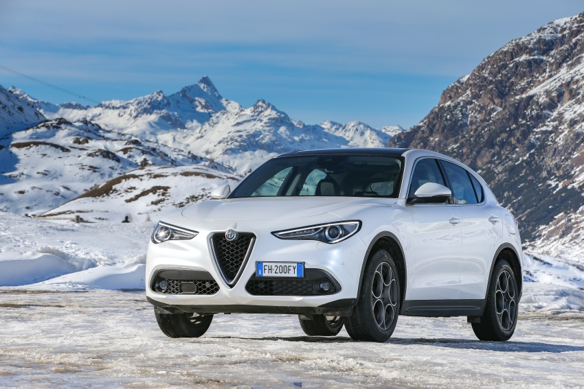 Alfa Romeo Stelvio gains new base engines for EMEA: 200 hp/330 Nm 2.0 petrol and 180 hp/490 Nm 2.2 diesel Image #639858