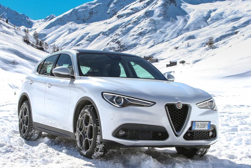 Alfa Romeo Stelvio gains new base engines for EMEA: 200 hp/330 Nm 2.0 petrol and 180 hp/490 Nm 2.2 diesel Image #639865