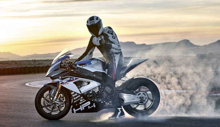 2017 BMW Motorrad HP4 Race racing motorcycle released – limited edition of only 750, worldwide Image #647892