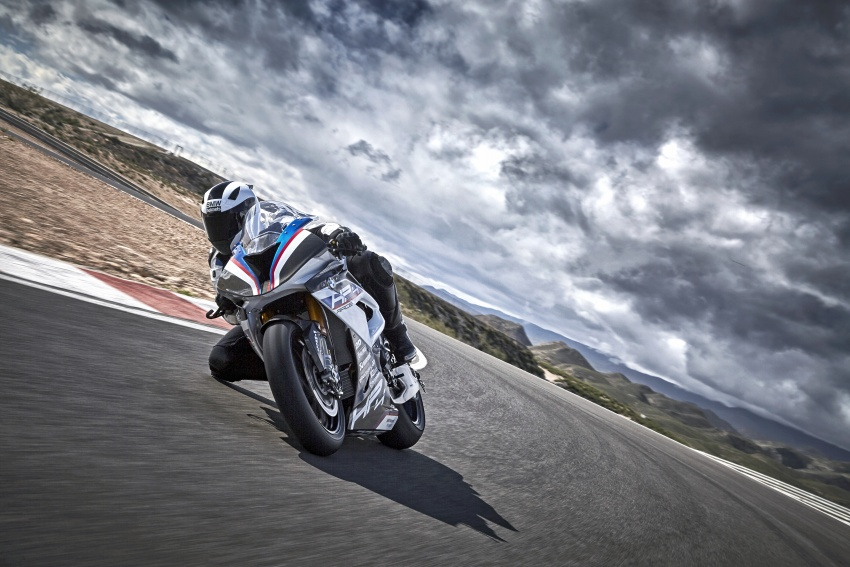2017 BMW Motorrad HP4 Race racing motorcycle released – limited edition of only 750, worldwide Image #647893