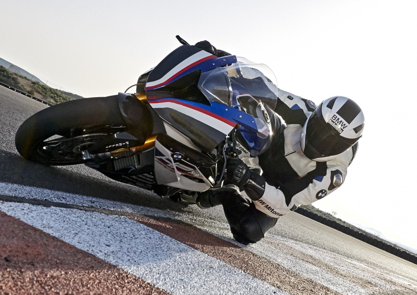 2017 BMW Motorrad HP4 Race racing motorcycle released – limited edition of only 750, worldwide Image #647901