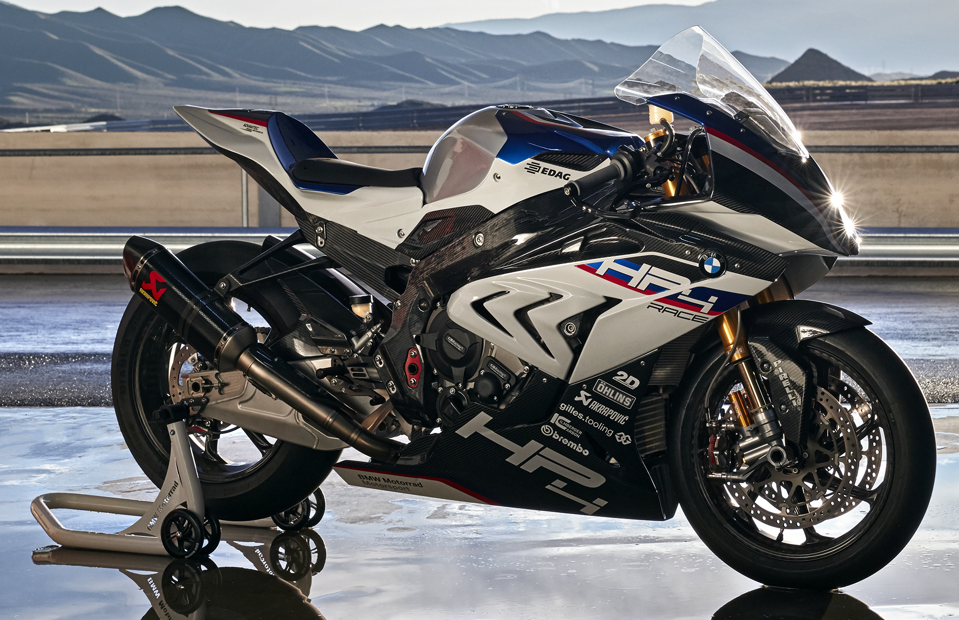 2017 bmw motorrad hp4 race racing motorcycle released limited edition of only 750 worldwide. Black Bedroom Furniture Sets. Home Design Ideas