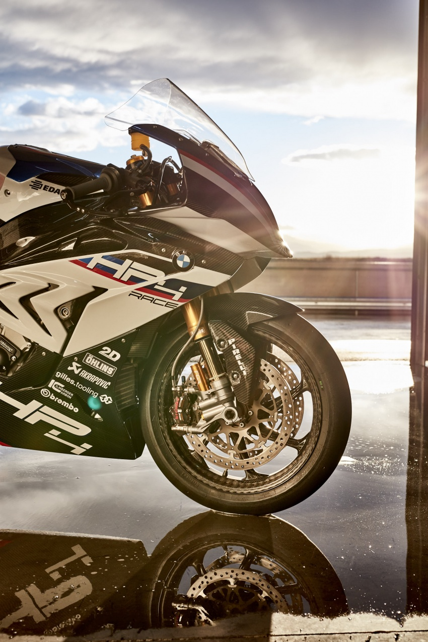 2017 BMW Motorrad HP4 Race racing motorcycle released – limited edition of only 750, worldwide Image #647924