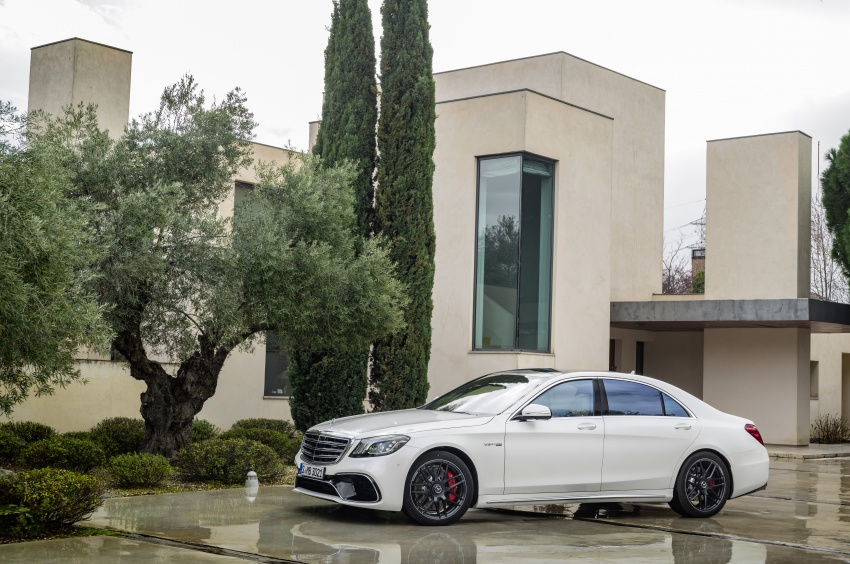 W222 Mercedes-Benz S-Class facelift debuts – new engines, enhanced styling, additional technologies Image #647605