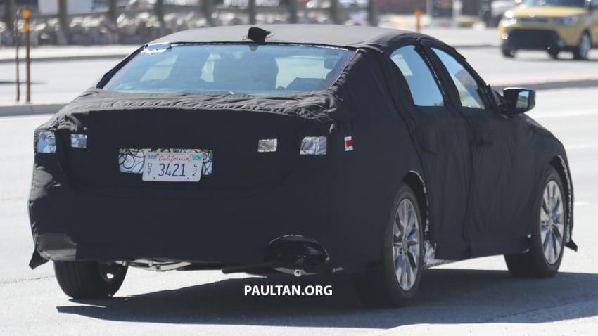 SPYSHOTS: 2018 Honda Accord strips some camo Image #646665