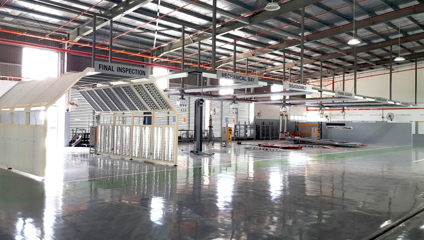 UMW Toyota Motor opens new body and paint centre in Kuching, Sarawak – 10 bays, full-sized paint oven Image #649876