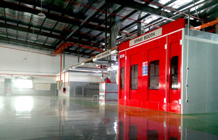 UMW Toyota Motor opens new body and paint centre in Kuching, Sarawak – 10 bays, full-sized paint oven Image #649877