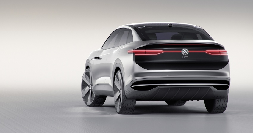Volkswagen I.D. Crozz – coupe/SUV crossover EV debuts with 306 PS, all-wheel drive, 500 km range Image #647131