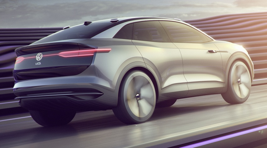Volkswagen I.D. Crozz – coupe/SUV crossover EV debuts with 306 PS, all-wheel drive, 500 km range Image #647142