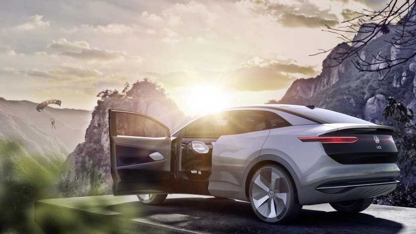 Volkswagen I.D. Crozz – coupe/SUV crossover EV debuts with 306 PS, all-wheel drive, 500 km range Image #647144
