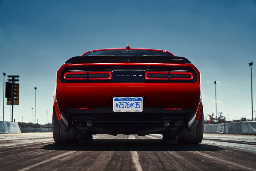 Dodge Challenger SRT Demon – world's quickest production car with 840 hp, 0-100 km/h in 2.3 secs Image #644016