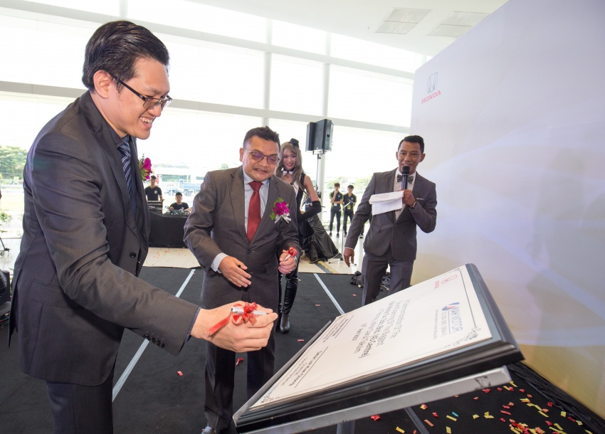 Honda Malaysia launches biggest 4S centre in Johor; records 45% sales increase in Q1 2017 from last year Image #649801