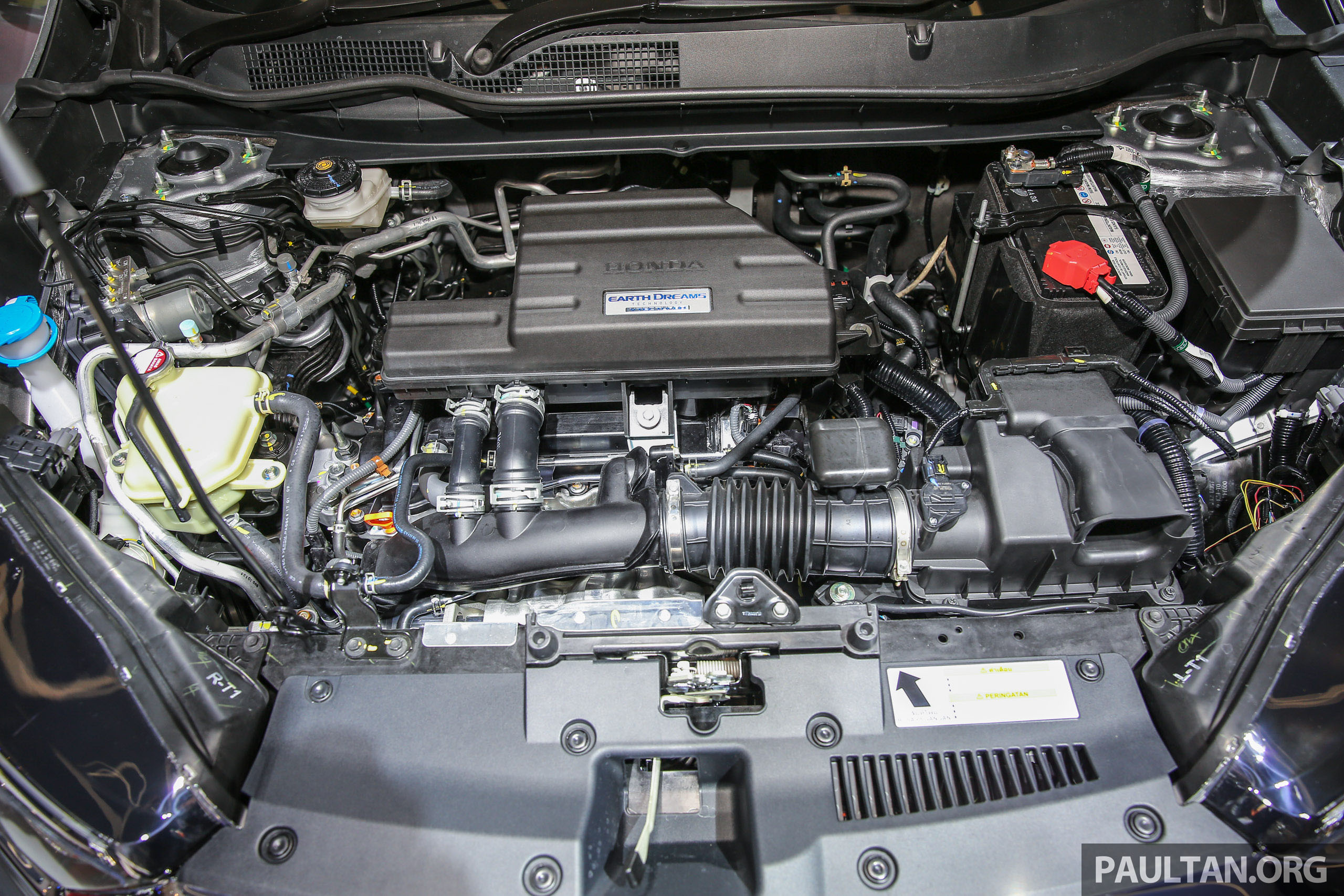 Honda Crv 2017 1.5 Turbo >> IIMS 2017: New Honda CR-V launched in Indonesia – seven-seat 1.5L VTEC Turbo, five-seat 2.0L NA ...