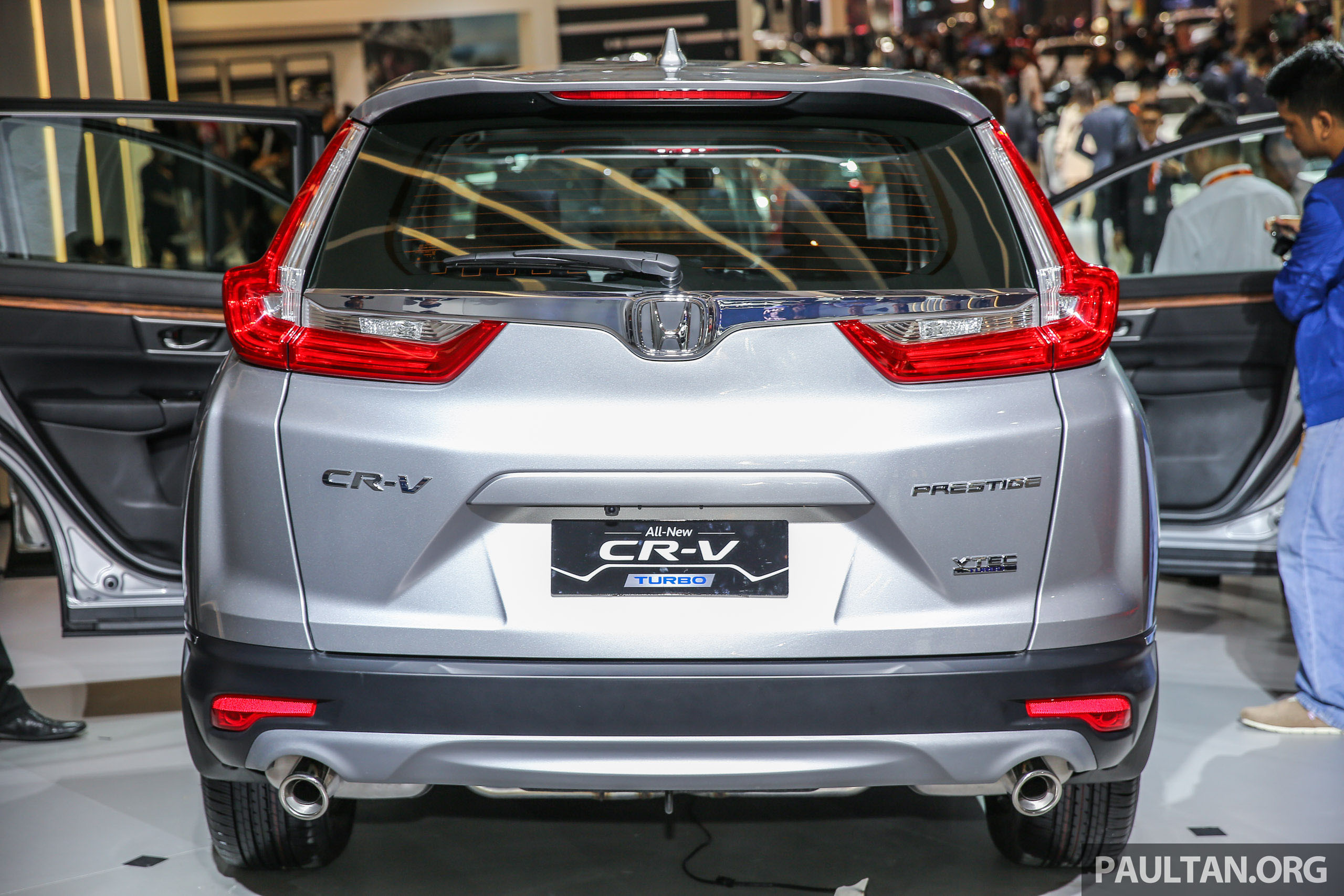 iims 2017 new honda cr v launched in indonesia seven seat 1 5l vtec turbo five seat 2 0l na. Black Bedroom Furniture Sets. Home Design Ideas