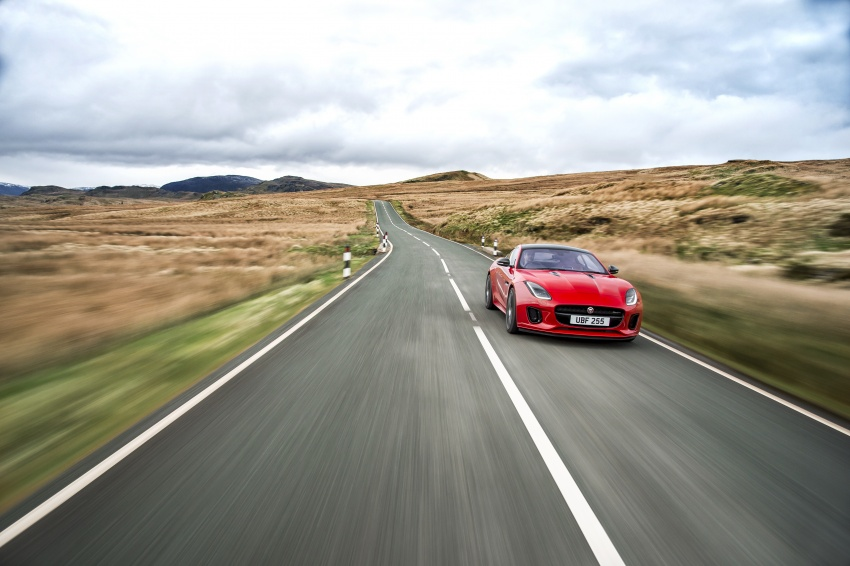 Jaguar F-Type gains 300 PS 2.0 litre Ingenium engine Image #645640