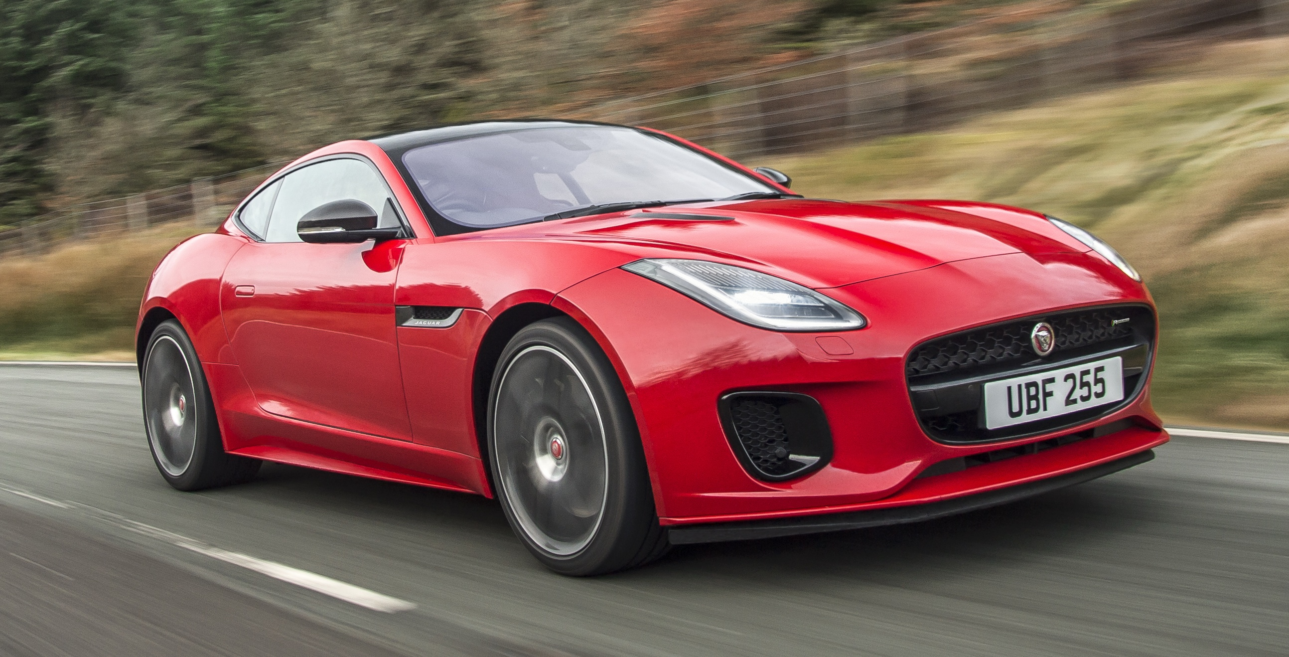 jaguar f type gains 300 ps 2 0 litre ingenium engine. Black Bedroom Furniture Sets. Home Design Ideas