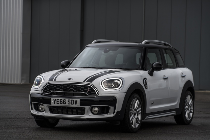 DRIVEN: F60 MINI Cooper S Countryman in the UK Image #645180