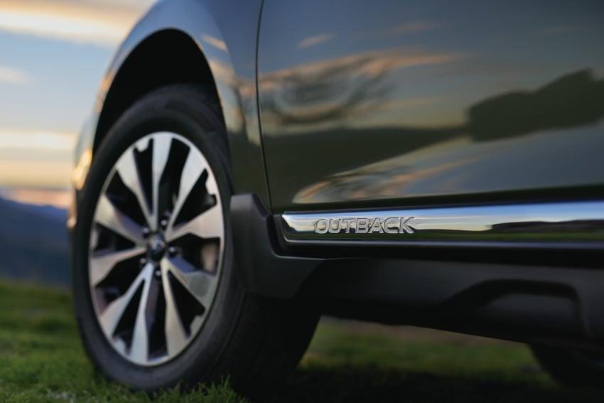 2018 Subaru Outback facelift gets Legacy's upgrades Image #641888